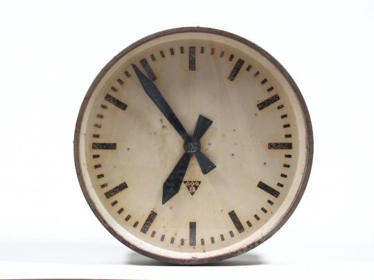 Industriální hodiny Pragotron