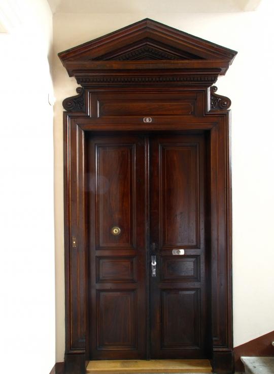 Restaurování historických dveří