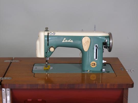 Restaurování šicích strojů