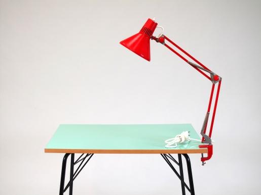 Lampa industriální