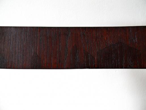 Výsprava dubové dýhy. Přední část příčky po restaurování – detail.